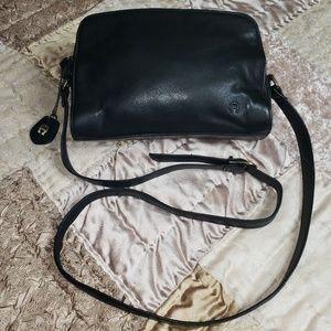 Etienne Aigner 🥳 leather crossbody bag